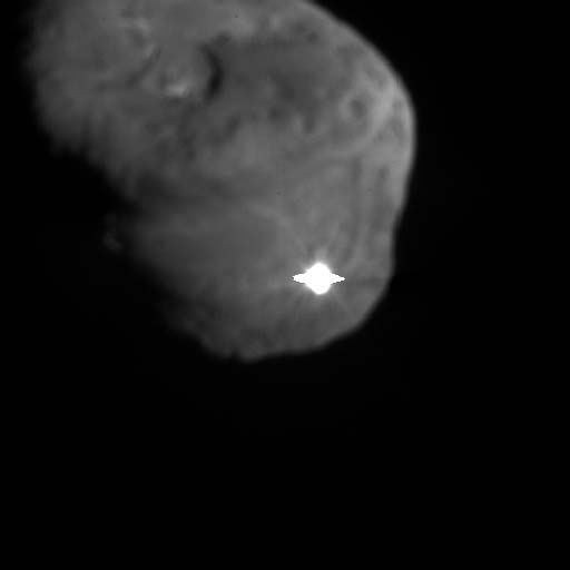 Deep Impact at the moment of collision with Comet Tempel 1