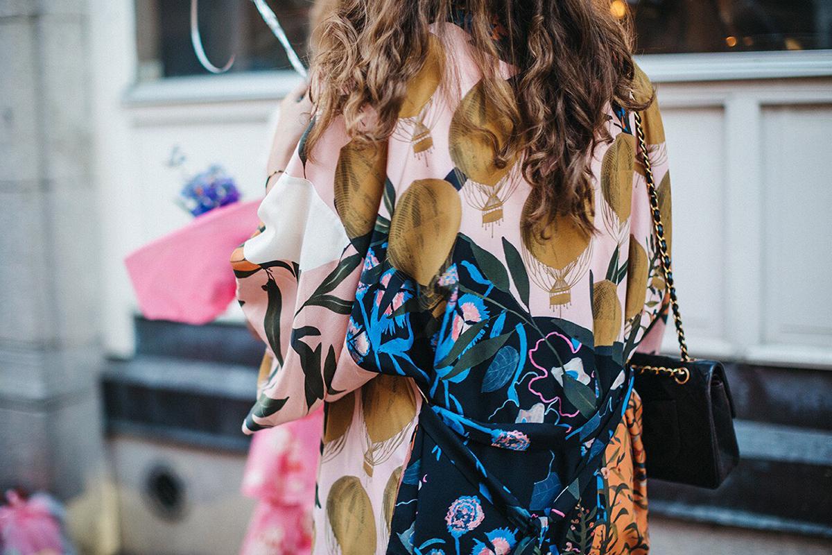 Vintage chanel och färgstarkt mode