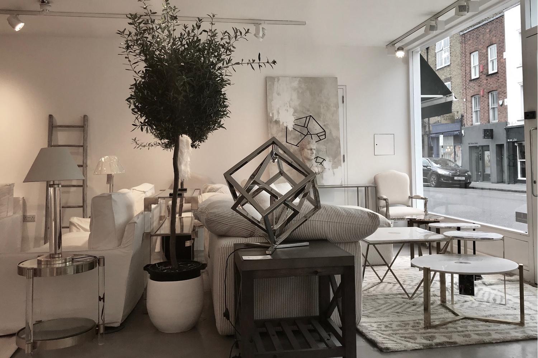 Interior_AM_White
