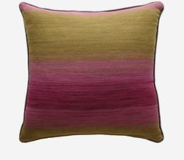 Bonito_Pink_Cushion