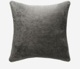 Mossop_Cloud_Cushion_with_Snow_Piping