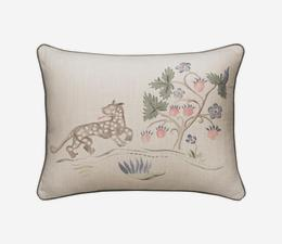 Tapestry_Folk_Leopard_Cushion