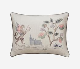 Tapestry_Folk_Griffin_Cushion