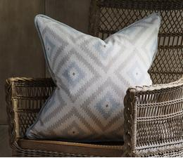 glacier_powder_cushion_lifestyle