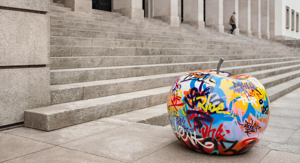 graffiti_apple_04