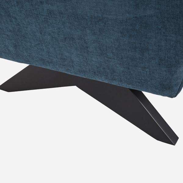 Finn_Chair_Leg_Detail_CH1050