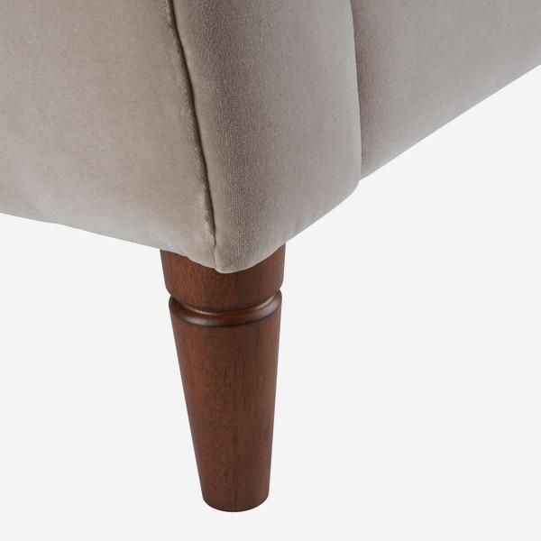 Thea_Sofa_Silver_Grey_Leg_Detail_SOF0636