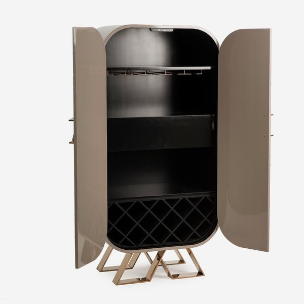 Sting_Bar_Cabinet_Open