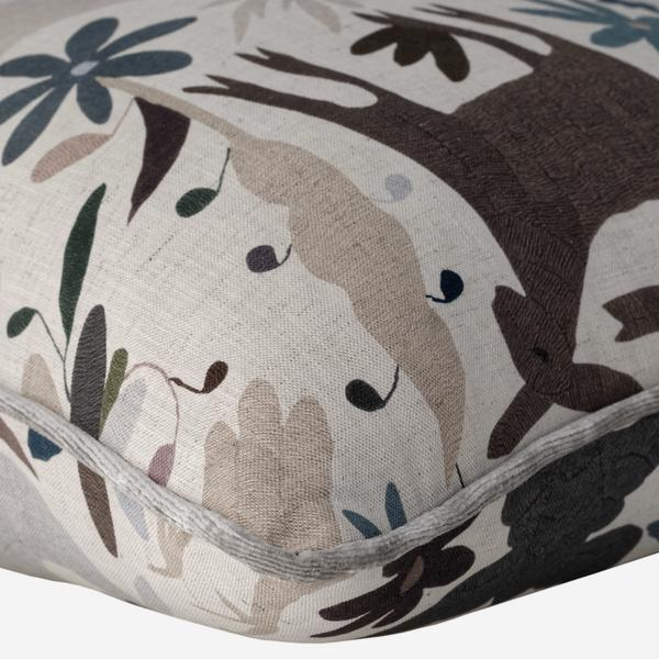 tiki_tiki_desert_cushion_detail