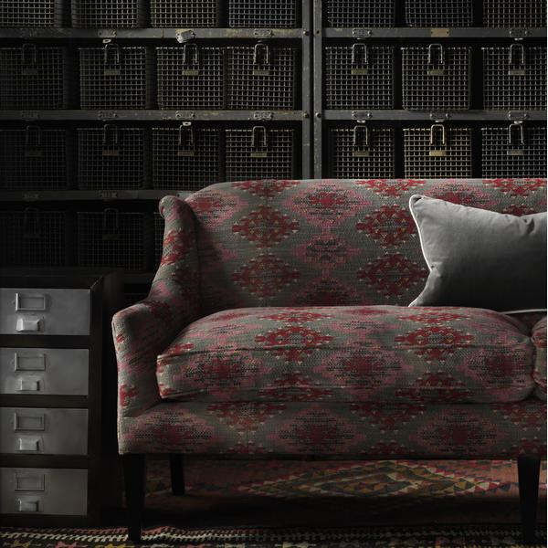 Grace_Sofa_in_Orillo_Pink