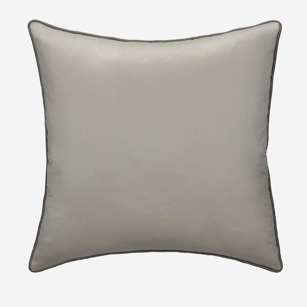 Markham_Ice_Cushion_with_Silver_Piping