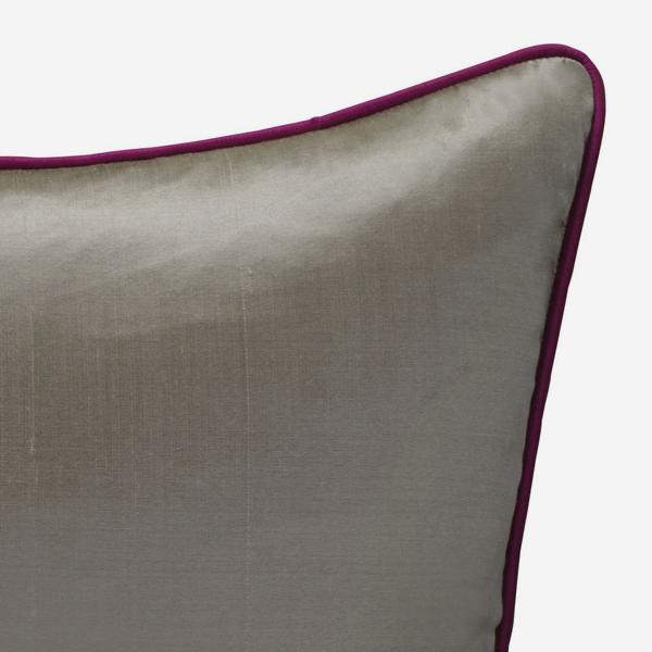 Markham_Silver_Cushion_with_Fuschia_Piping_ACC2738_