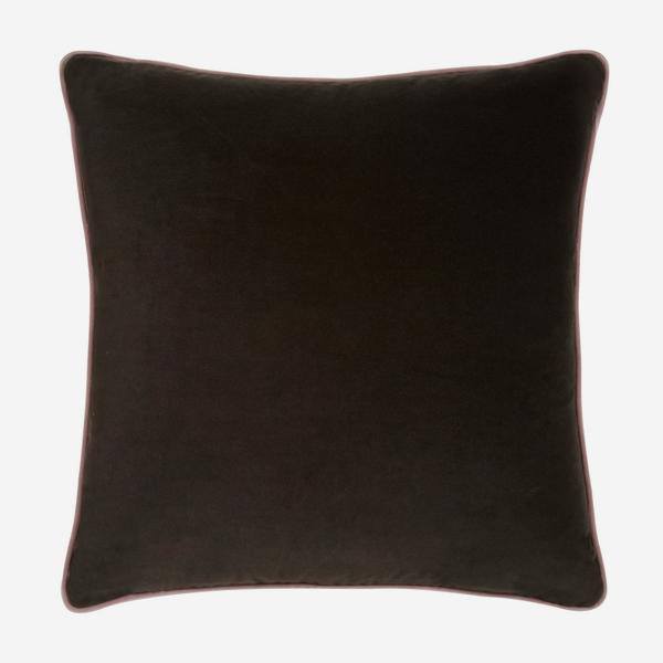 Pelham_Chocolate_Cushion_with_Rose_Piping_ACC2642_