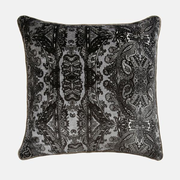 Bohemia_Ebony_Cushion_ACC2520_