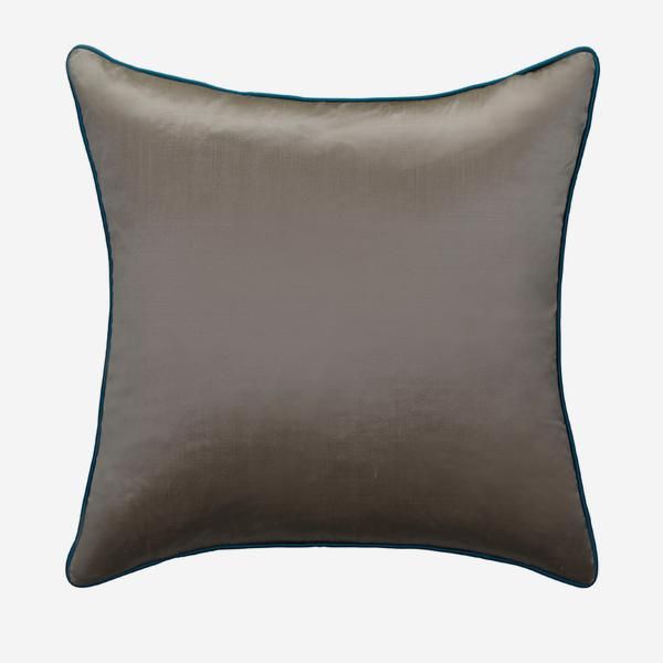 Markham_Silver_Cushion_with_Peacock_Piping