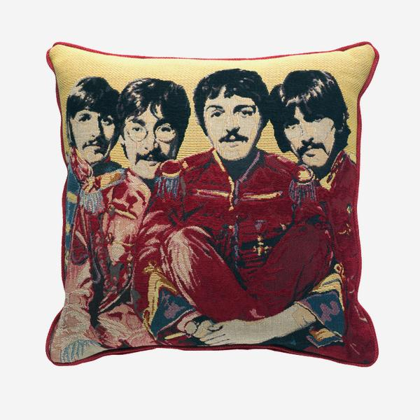 Beatles_Red_Cushion_ACC0340_