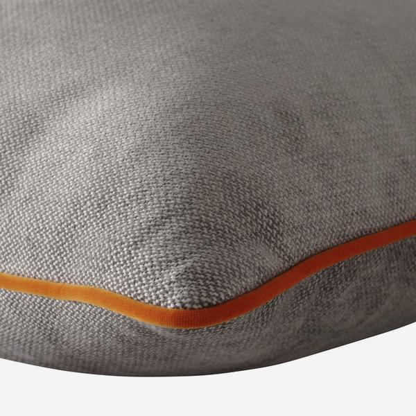 Bomore_Cloud_Cushion_with_Pelham_Clementine_Piping_Detail_ACC2717_