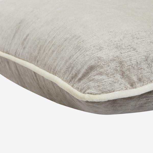 Mossop_Pebble_Cushion_Detail_ACC2758_