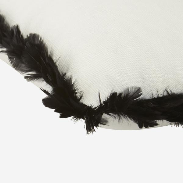 Csh_Piccolomini_White_FB_Black_Feather_P_corner