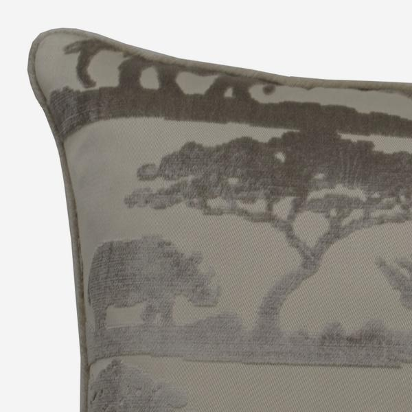 Safari_Giraffe_Taupe_Cushion_ACC2821_