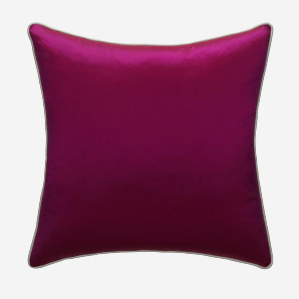 Markham_Fuchsia_Cushion_with_Markham_Ice_Piping