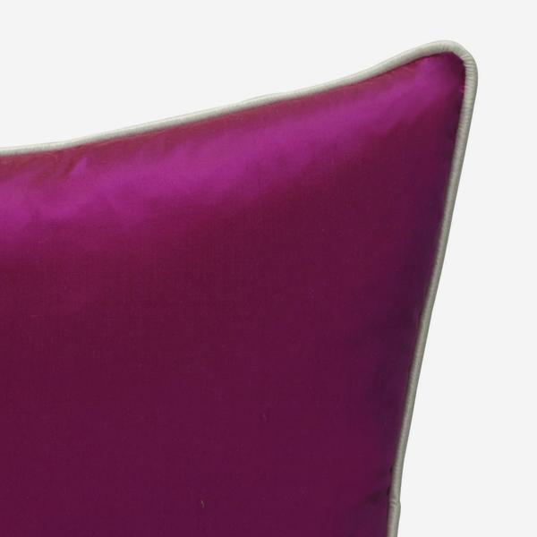 Markham_Fuschia_Cushion_with_Markham_Ice_Piping_ACC2733_