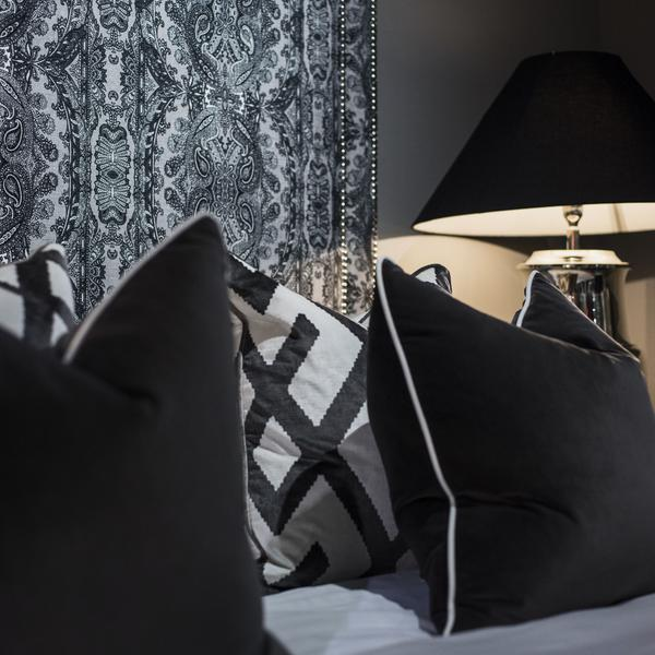 Pelham_Charcoal_Cushion_Lifestyle