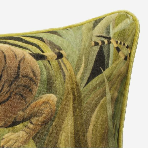 national_gallery_cushion_velvet_rosseau_tiger