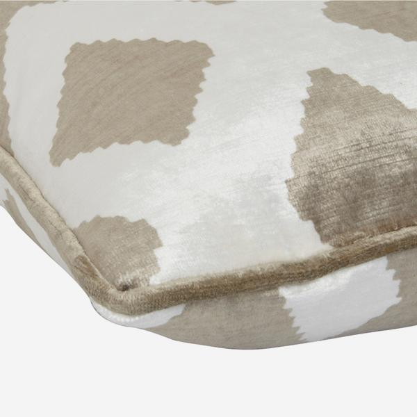 Fitzroy_Buff_Cushion_Detail_ACC2633_