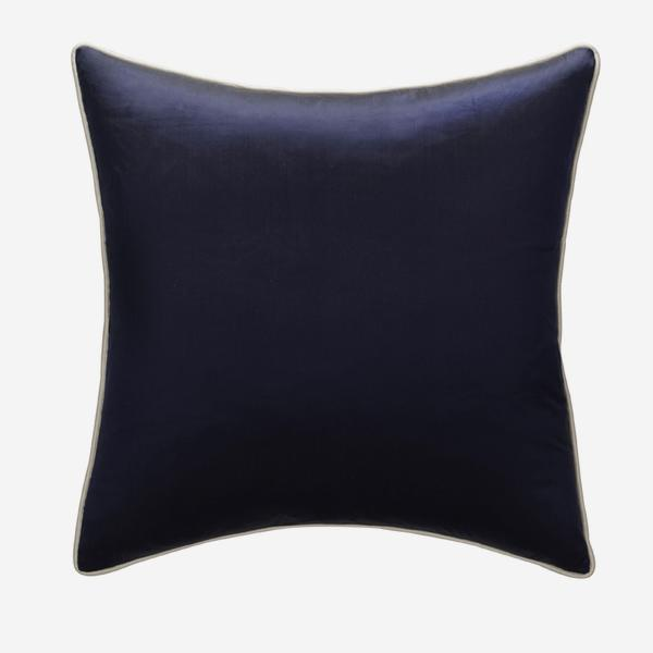 Markham_Midnight_Cushion_with_Markham_Ice_Cushion