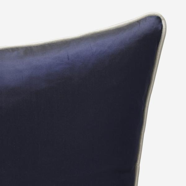 Markham_Midnight_Cushion_with_Markham_Ice_Cushion_ACC2730_