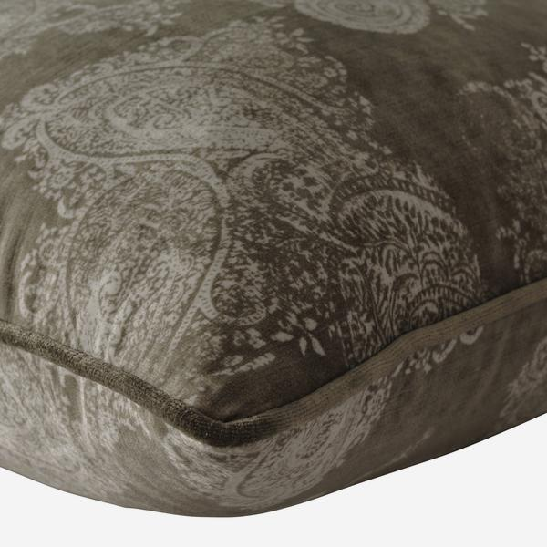 Barnsbury_Buff_Cushion_Detail_ACC2632_