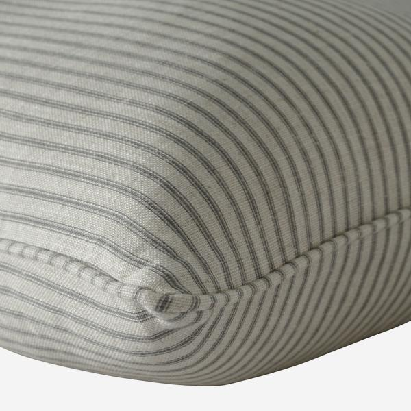 Savannah_Storm_Cushion_Detail_ACC2842_
