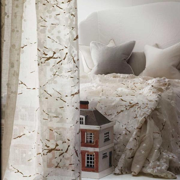 fabric_and_wallpaper_lifestyle_nightingale_ovington