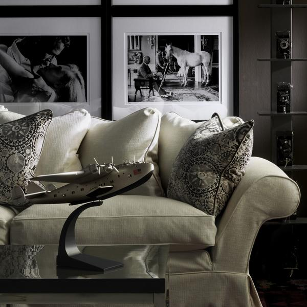 Egerton_Sofa_in_Westbourne_Ivory_with_cushions_in_Iznik_Charcoal