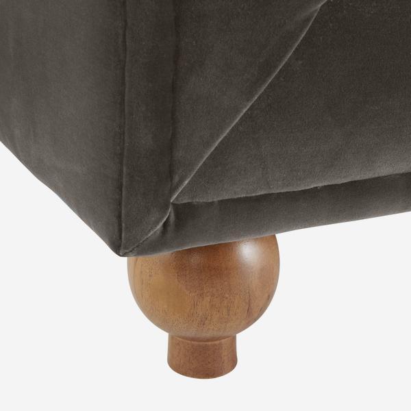 OnassisConcrete_sofa_leg_detail