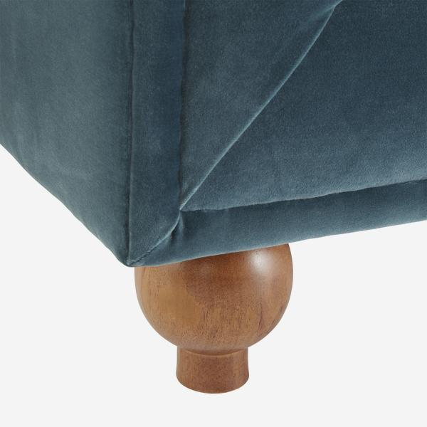 OnassisPetrol_sofa_leg_detail