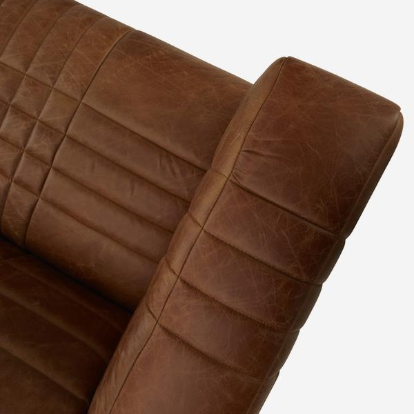 Sonny_Sofa_Leather_Stitching_Detail_SOF0451