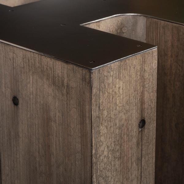 andrew_martin_furniture_side_tables_alphabet_letter_R_side_table_detail