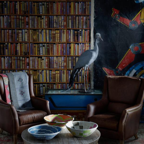 chelsea_chair_plain_chestnut_and_balzac_coffee_table