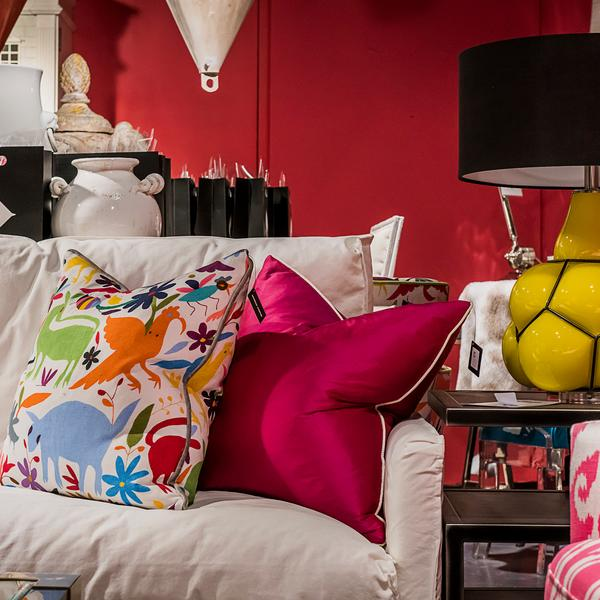 andrew_martin_showroom_ernest_table_lamp_tiki_tiki_carnival_and_markham_fuchsia_cushions