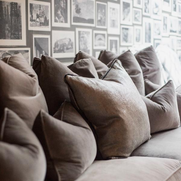 Hanover_Sofa_Scatter_Cushions_Detail