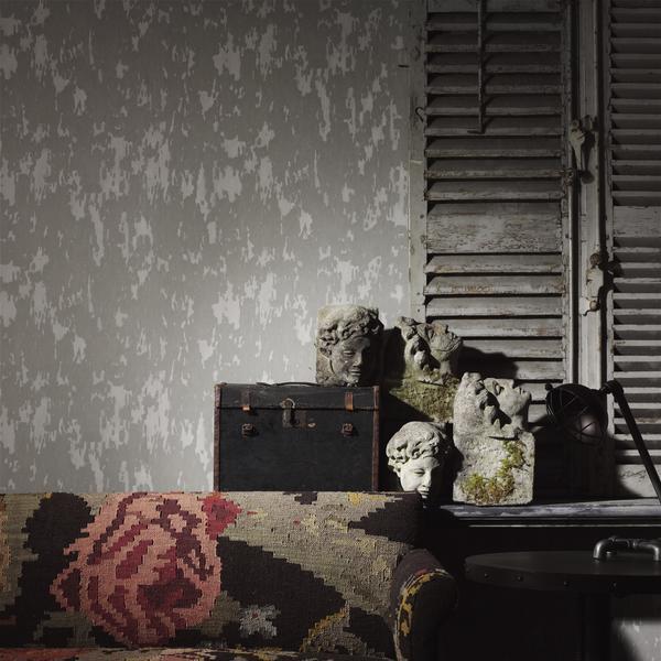 Crackle_Grey_Wallpaper_Lifestyle