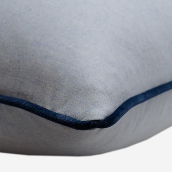 York_Powder_Cushion_with_Pelham_Denim_Piping_Detail_ACC3078_