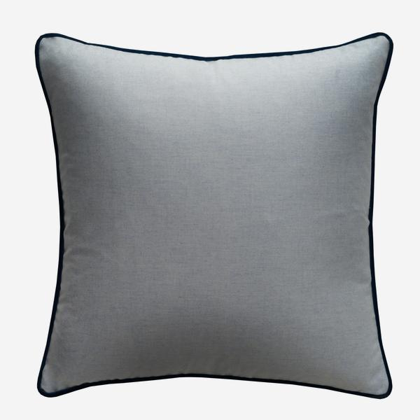 York_Powder_Cushion_with_Pelham_Denim_Piping_ACC3078_