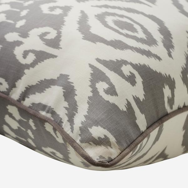 Volcano_Storm_Outdoor_Cushion_Large_Corner_Detail_ACC3038_