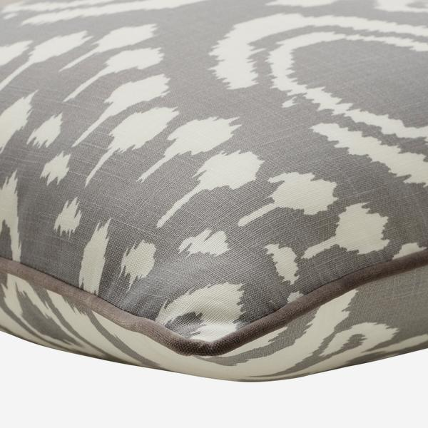 Volcano_Storm_Outdoor_Cushion_Small_Corner_Detail_ACC3039_