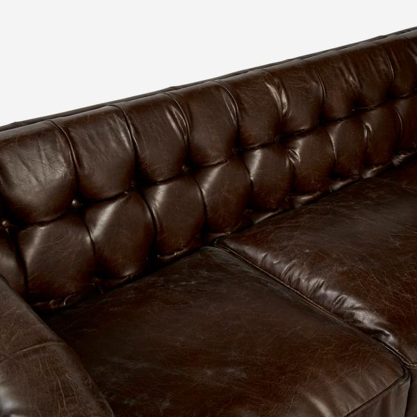 Armstrong_Sofa_Buttoning_Detail_SOF0058