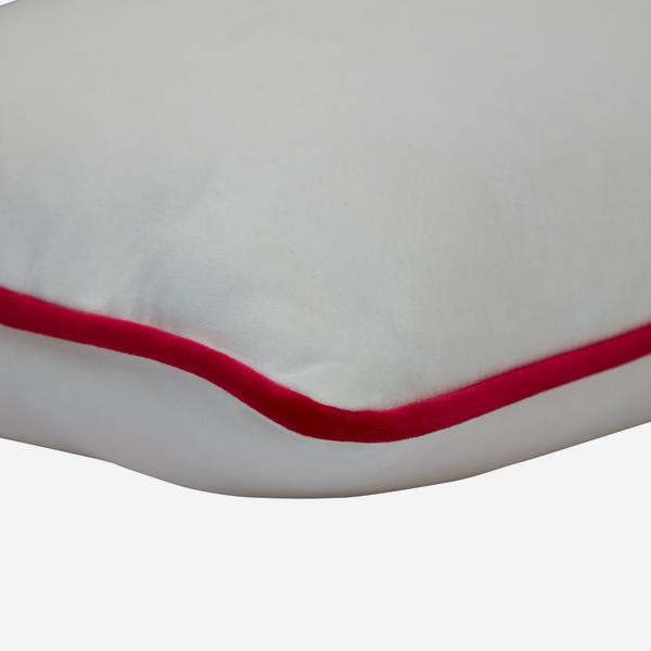 Houdini_Milk_Cerise_Cushion_Detail_ACC3149
