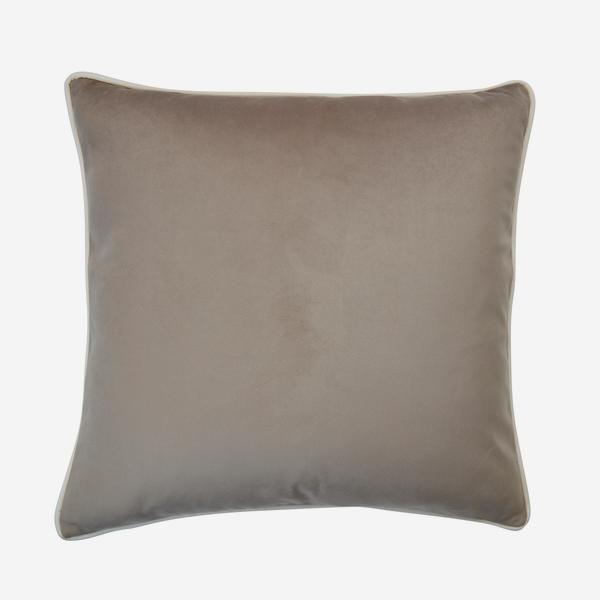 Houdini_Pebble_Milk_Cushion_ACC3163_